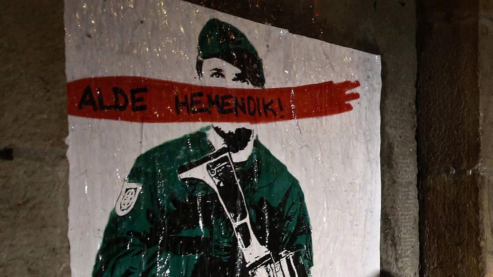 La primera prueba de fuego de Chivite: detener la fiesta basada en ridiculizar a la Guardia Civil