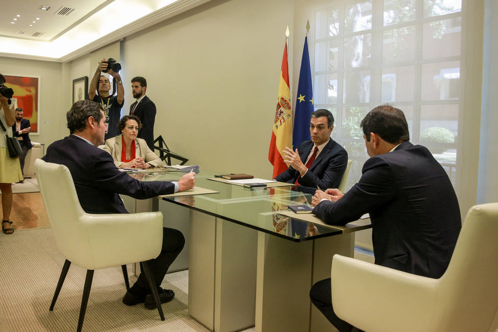 CEOE pide a Sánchez un Gobierno moderado y estable y avisa del complicado entorno internacional
