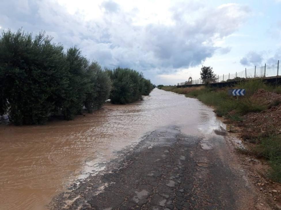 La carretera regional RM-F29 permanece cortada al tráfico en el tramo de Dolores a TorrePacheco
