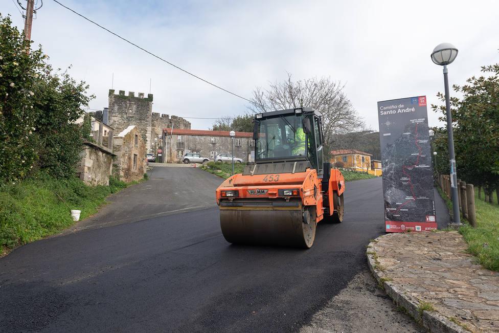 Obras de agloremado en las proximidades del Castillo de Moeche - FOTO: César Galdo
