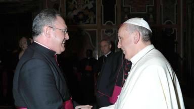 Mons. José María Gil Tamayo, miembro de la Comisión Ejecutiva: Sacerdote católico y periodista