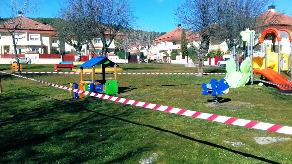 Parque de Moralzarzal con el precinto