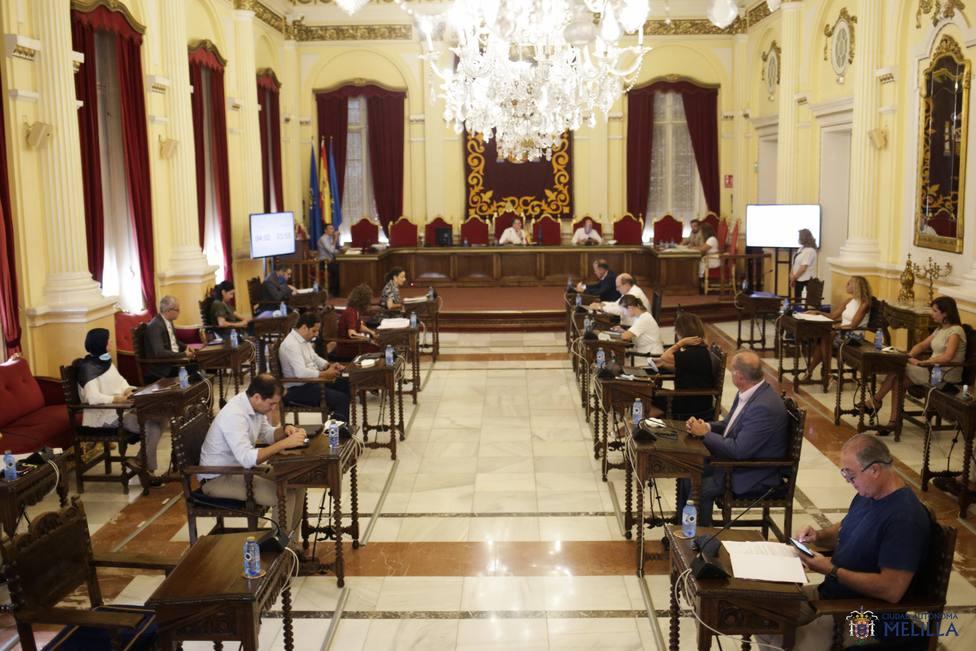 Cvirus.-Cinco de los 25 diputados de la Asamblea de Melilla en cuarentena, de los que tres son miembros del Gobierno
