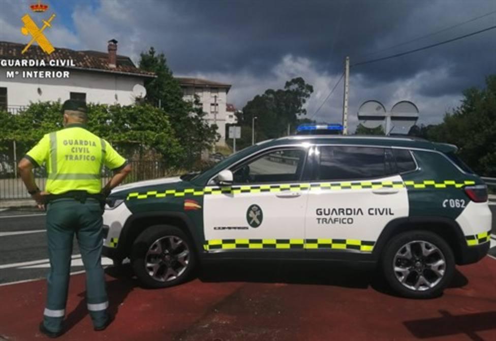 La Guardia Civil auxilia a un menor de 4 años que se atragantó al comer en el coche