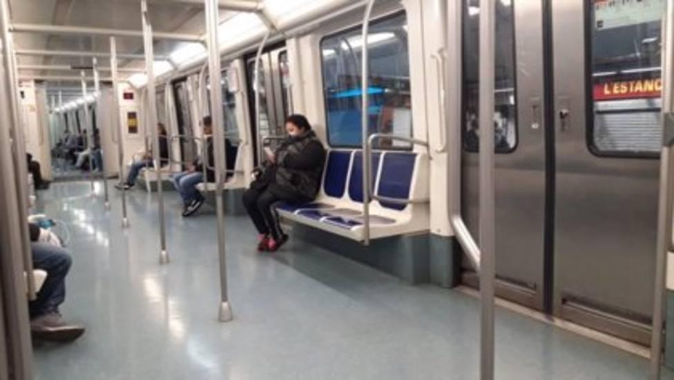 Coronavirus.- El Metro de Barcelona mantiene la reducción de pasaje con un 86% menos este martes