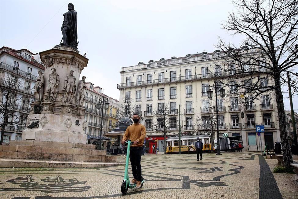 Portugal sufre un nuevo repunte al superar los 5.000 positivos en un solo día