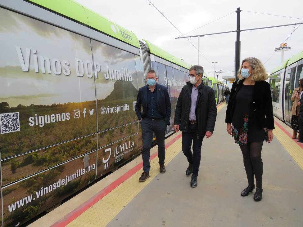 Tranvía de Murcia mostrará el viñedo de la DOP Jumilla durante los próximos seis meses