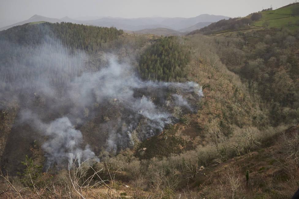 Extinguido el incendio en Bera (Navarra) con cerca de 1.800 hectáreas calcinadas