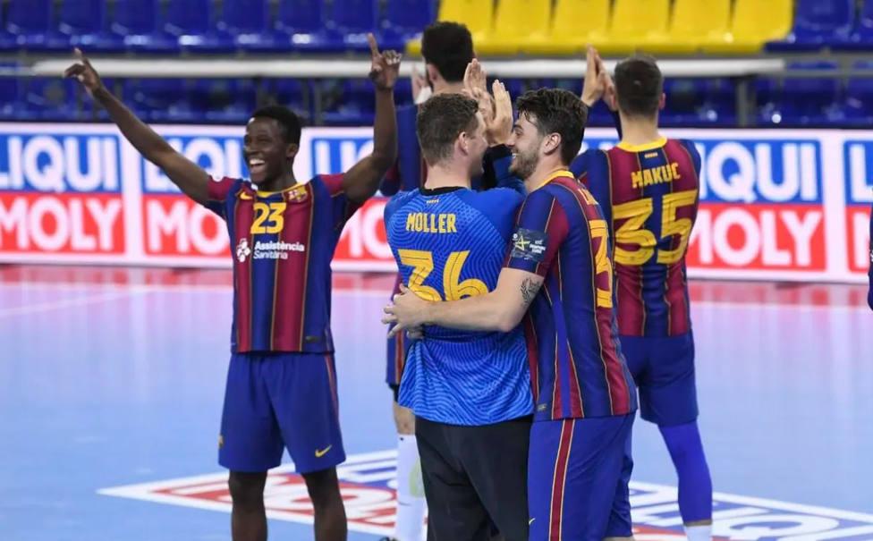 El Barça celebra la victoria en la Liga de Campeones (@FCBHandball)