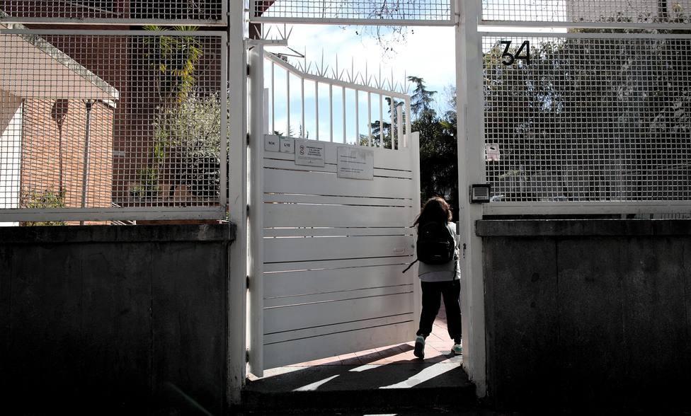 Un juez califica como delito leve la supuesta agresión a una alumna que pintó una bandera de España en clase