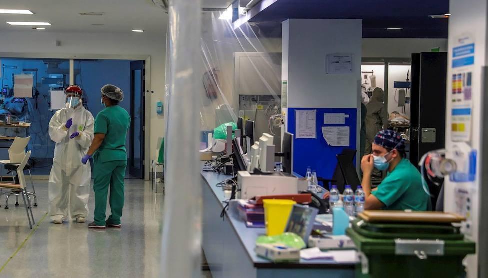 Los hospitales resisten frente al crecimiento de la incidencia acumulada en España