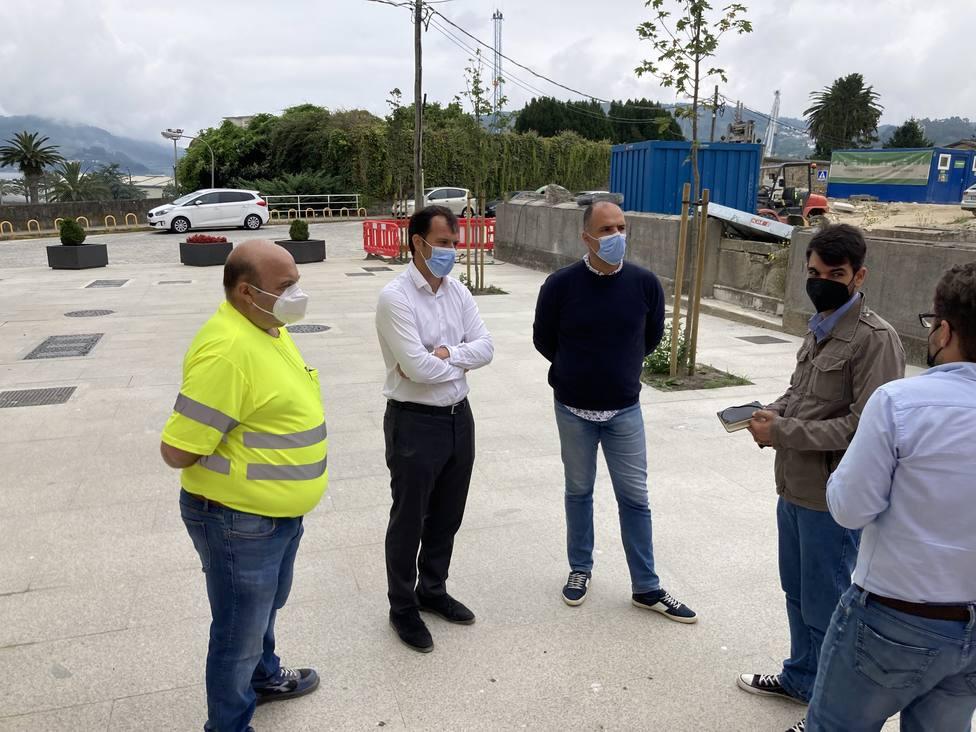 Julián Reina visitó las obras de la Calle Espartero. FOTO: Concello de Ferrol