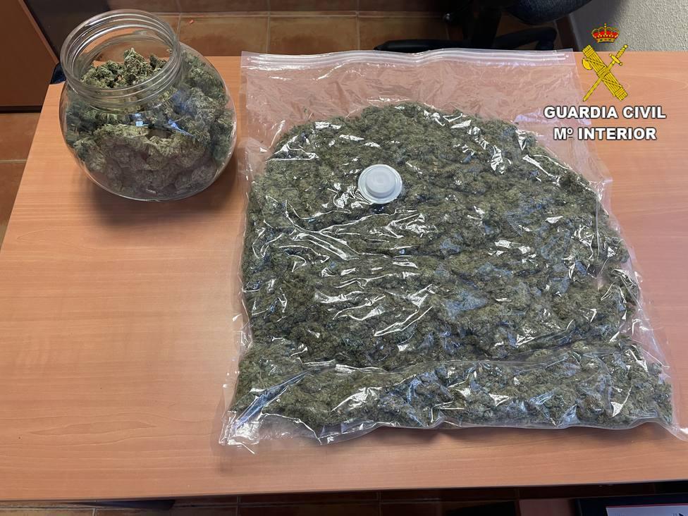 ctv-bna-detenidos-controles-----marihuana-intervenida-por-grs