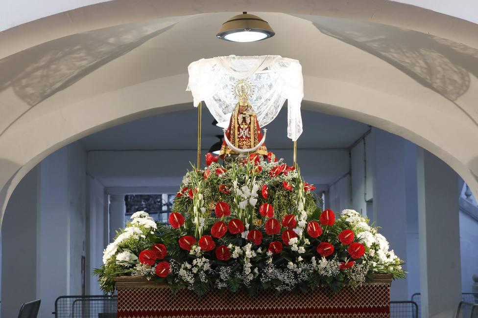 Imagen de la Virgen de los Llanos en el recinto Ferial
