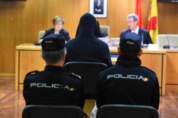 Un exprofesor, condenado a 137 años de cárcel tras pedir perdón por abusos