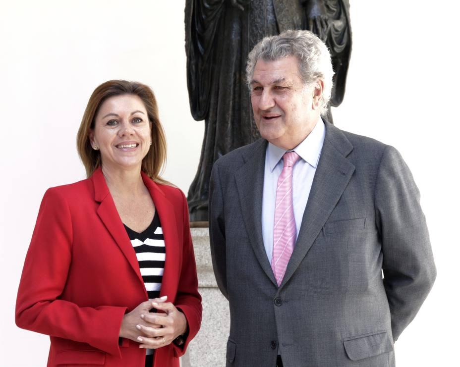 Posada confiesa su disgusto por la marcha de su amiga Cospedal y reivindica su extraordinaria labor en el partido