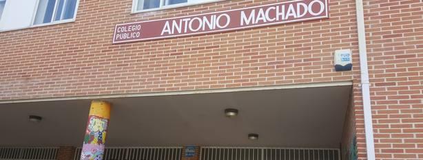 Un hombre roba un coche con dos niños de 4 años y 11 meses en el interior y los deja en lugares distintos en Madrid