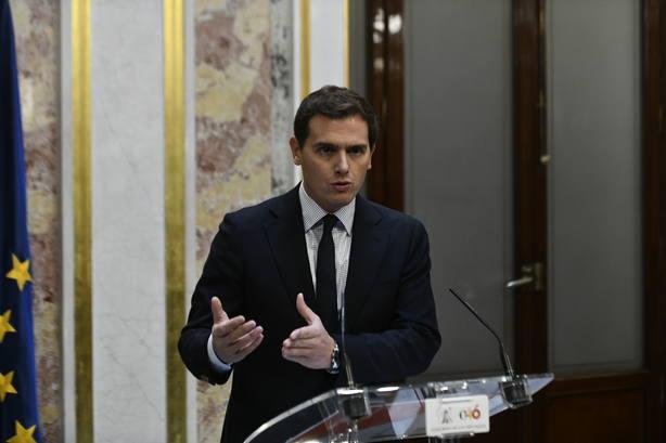 6D.-Rivera rechaza el guerracivilismo porque no ve enemigos en la izquierda ni la derecha, sólo compatriotas