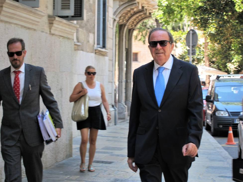 Condenan a tres años y medio de cárcel al exconsejero balear José María Rodríguez por el caso Over