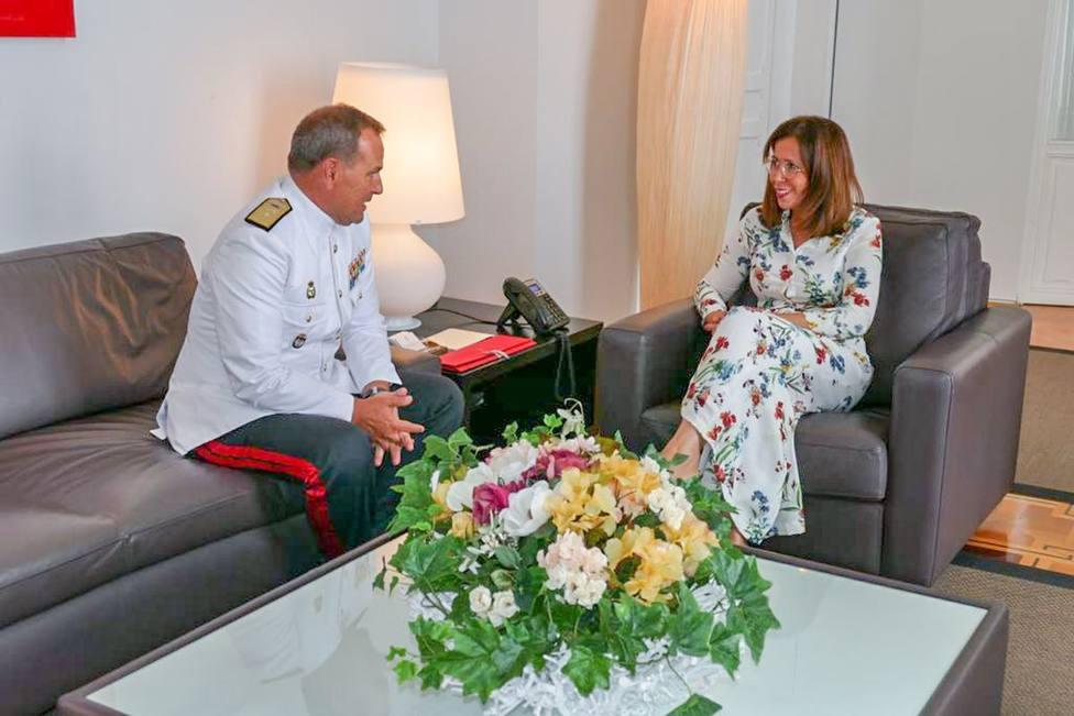 El general comandante de la Fuerza de Protección de la Armada se despide del municipio