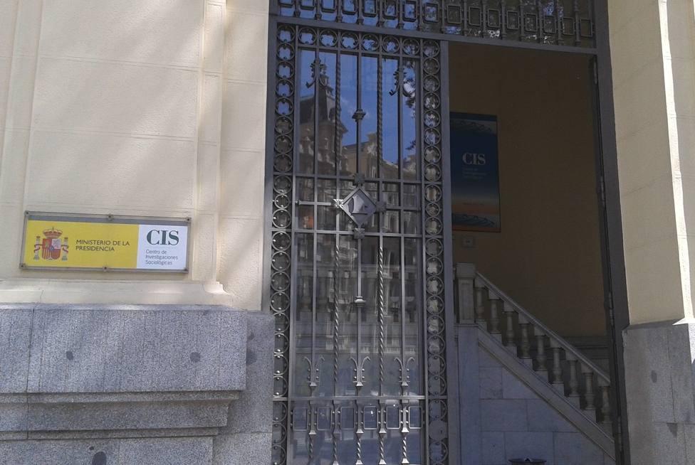 El CIS calcula al PSOE un apoyo del 32,2%, seguido del PP con un 12% con Podemos en tercer puesto