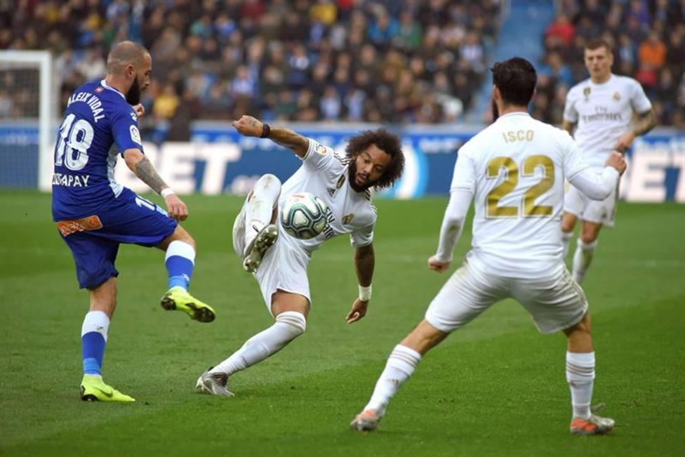 LaLiga denuncia el corte de mangas de Aleix Vidal frente al Real Madrid