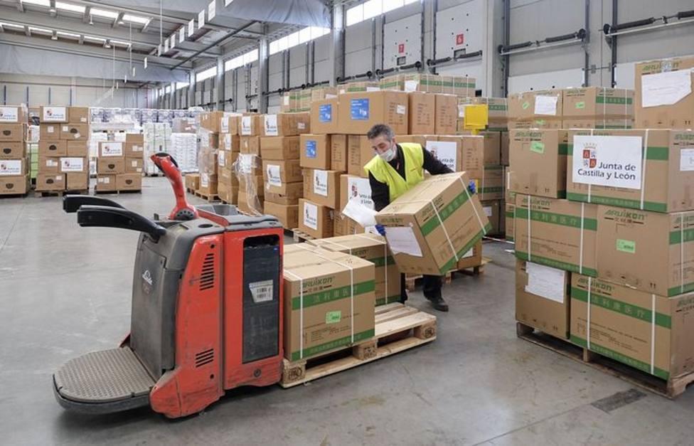 Se retrasa la llegada de material sanitario a España prometido por la UE