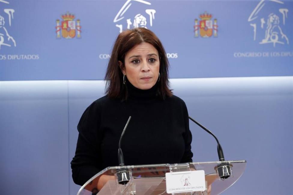 La portavoz del PSOE, Adriana Lastra, durante la rueda de prensa tras la reunión de la Junta de Portavoces del
