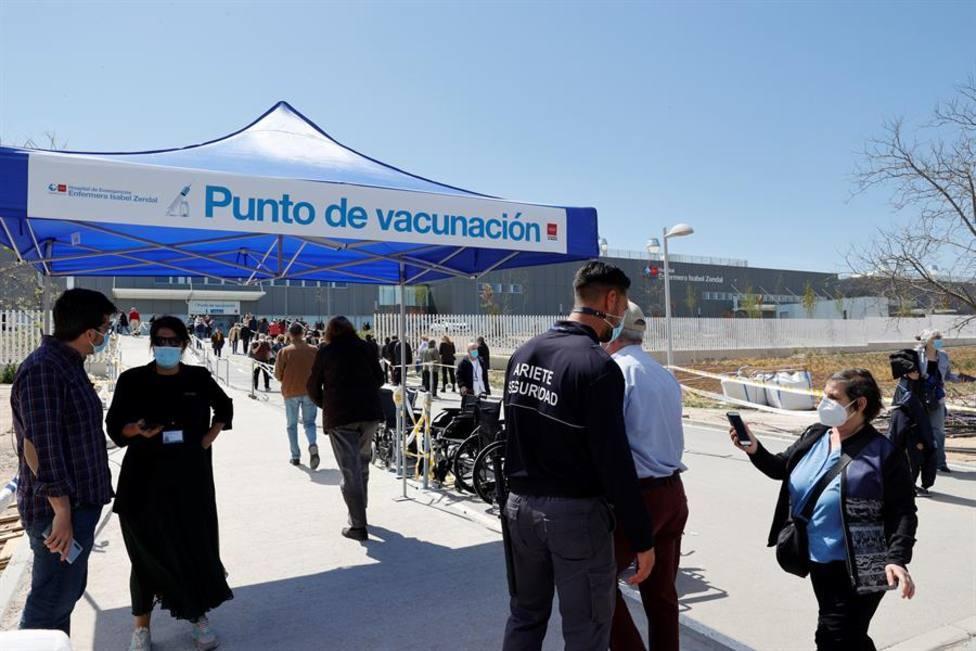 ¿Qué comunidades autónomas se han sumado a la iniciativa de Madrid de empezar a vacunar sin cita?