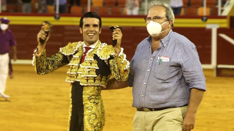 Emilio de Justo junto al ganadero de Rehuelga, Rafael Buendía