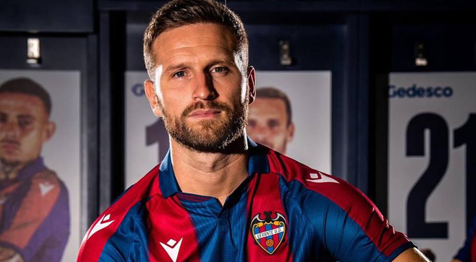 Mustafi, jugador del Levante