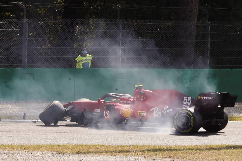 El coche de Carlos Sainz tras el accidente en los segundos libres de Monza