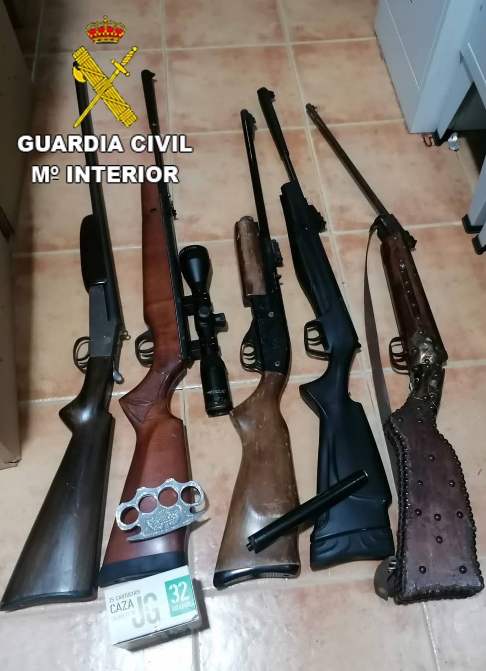 ctv-jkj-los-navalmorales--armas