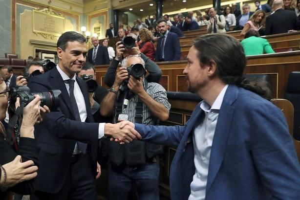 Iglesias reprocha a Sánchez que en 24 horas olvide quien le hizo presidente