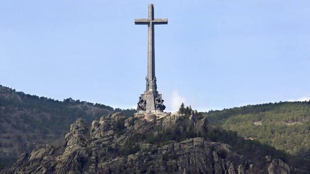 Defensa llama a declarar a los militares reservistas que firmaron un escrito a favor de Franco