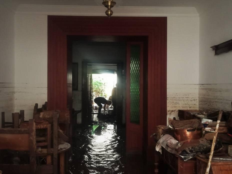 Salud Pública recomienda limpiar los aljibes y cisternas de agua de viviendas afectadas por las inundaciones en Mallorca