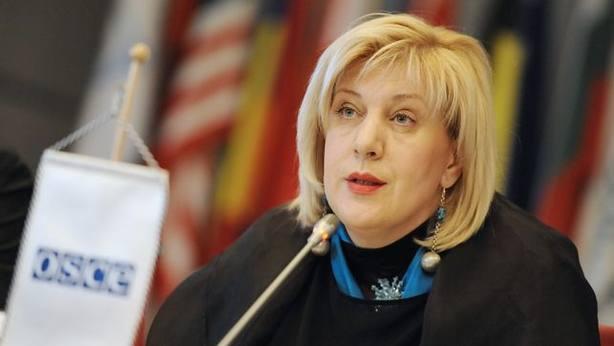 La comisaria europea de DDHH critica las condenas de España a raperos y tuiteros