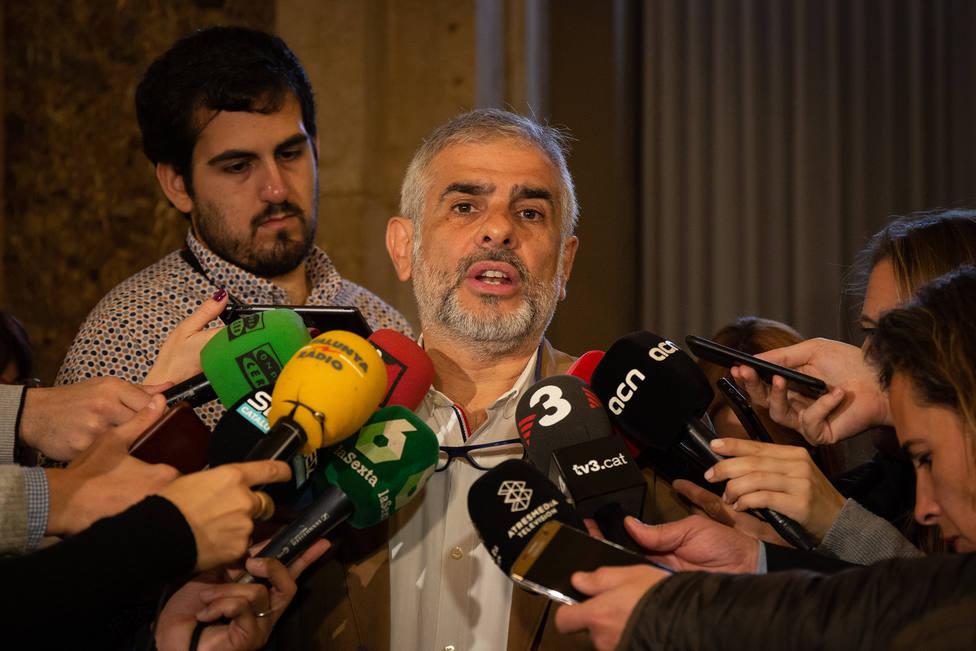 Cs quiere que el Parlament repruebe a Torra por rendir perpetua pleitesía a Puigdemont
