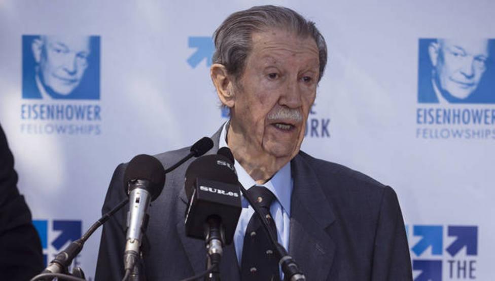 Manuel Alcántara, el poeta que quería soñar a la sombra de una barca