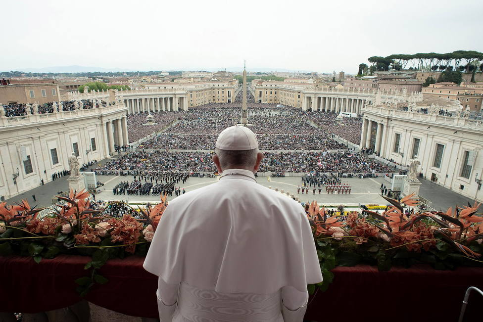 Pope Francis celebrates the Easter mass