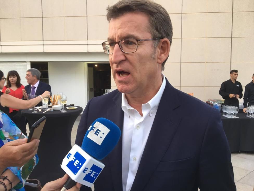 Feijóo acusa al PSOE de utilizar las instituciones del Estado con un fin partidista