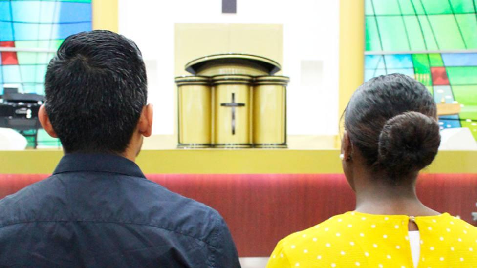 Felipe y Wendy en el Centro de Ayuda Cristiano, dependiente de los evangélicos   Rodrigo Moreno Quicios
