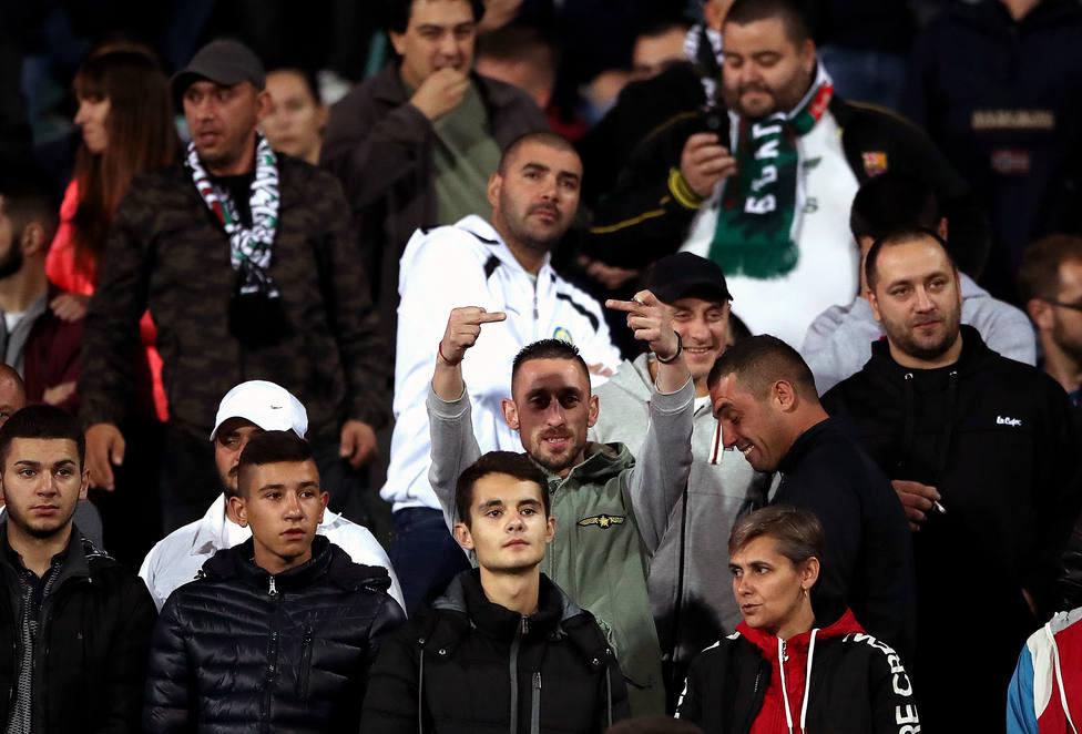 La policía búlgara detiene a seis personas por los insultos racistas a los jugadores de Inglaterra