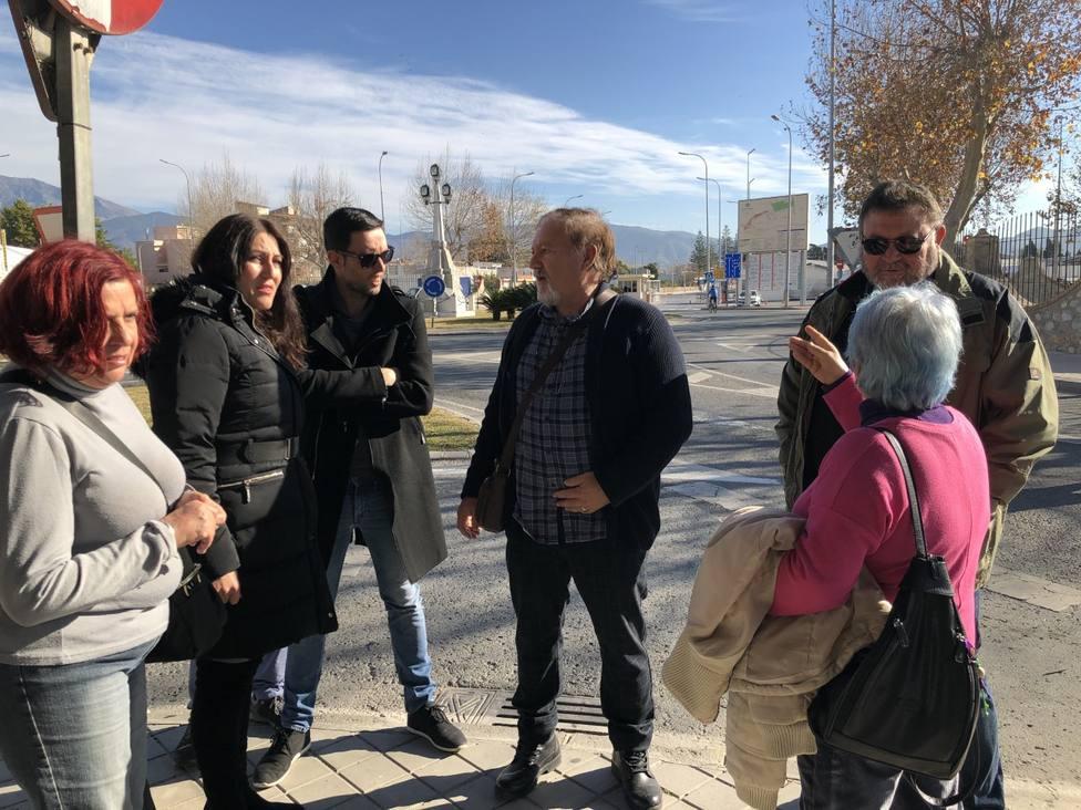 Protesta de Podemos en la entrada del Puerto de Motril