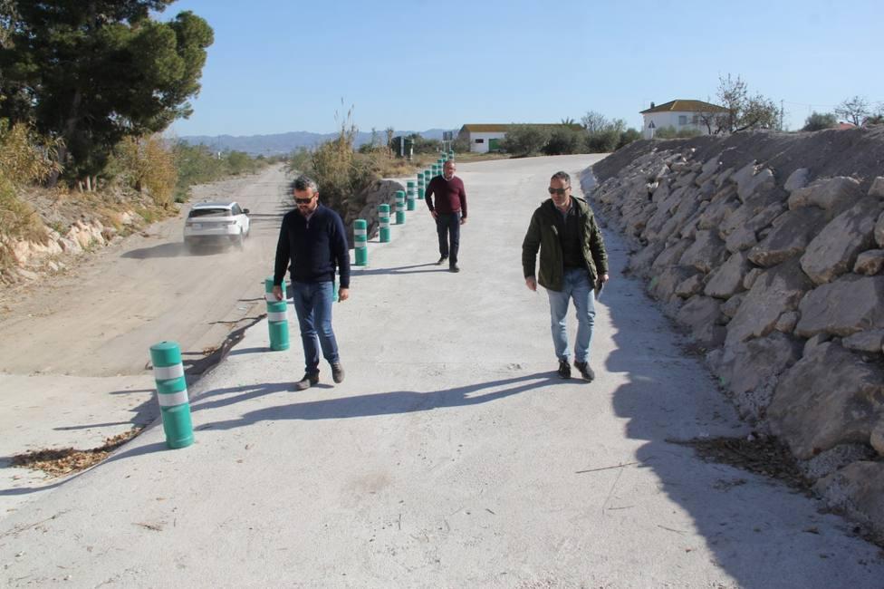 Finalizan las obras del Camino del Cementerio a su paso por la Rambla del Murciano