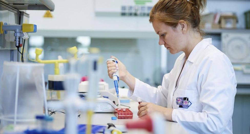El Reino Unido ya ensaya en humanos la vacuna contra el coronavirus