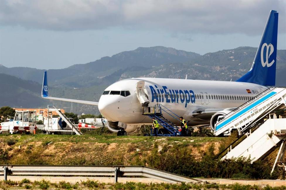 Avión de la compañía Air Europa estacionado en el aeropuerto de Palma
