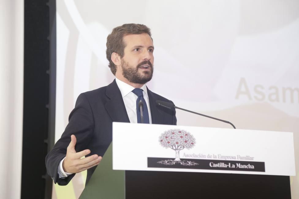 Casado traslada al comisario de Justicia europeo su rechazo a la reforma del CGPJ