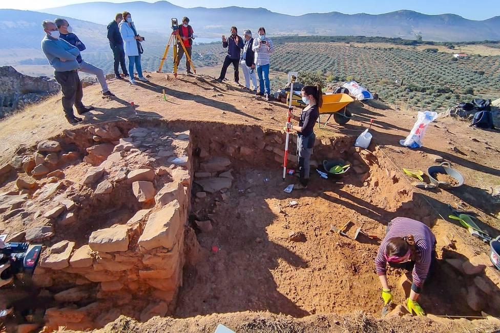 Hallan restos de las edades del Hierro y del Bronce en un nuevo yacimiento arqueológico en Brazatortas