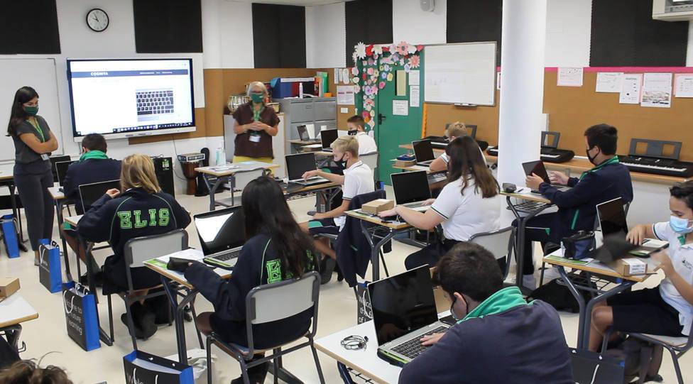 Colegios de Alicante promueven la transformación digital en el aprendizaje ante futuros confinamientos